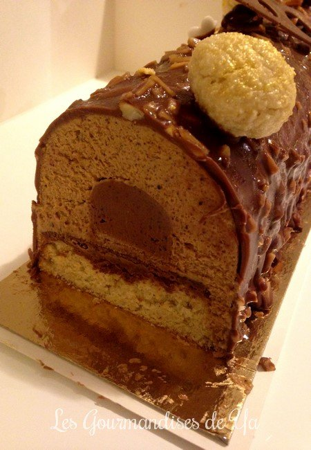 Bûche praliné, vanille et chocolat LGY 02