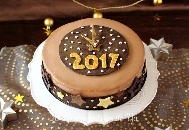 Entremets du Nouvel An : caramel beurre salé, mangue, passion et chocolat LGY 01