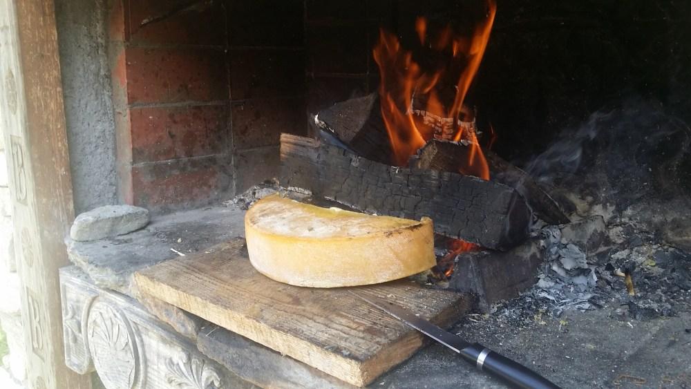 Raclette au feu de bois...