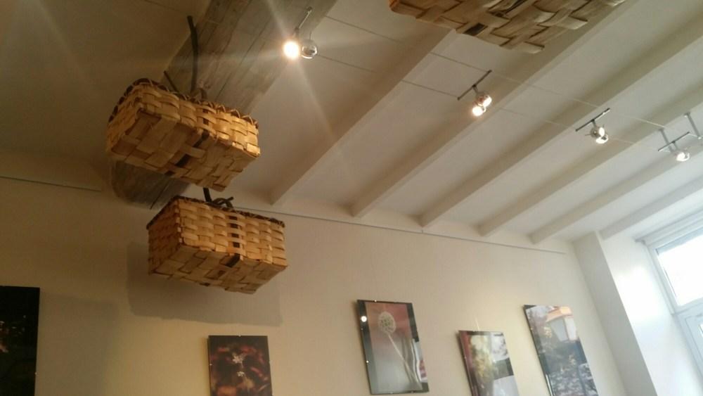 L'exposition du moment au Comako Restaurant.