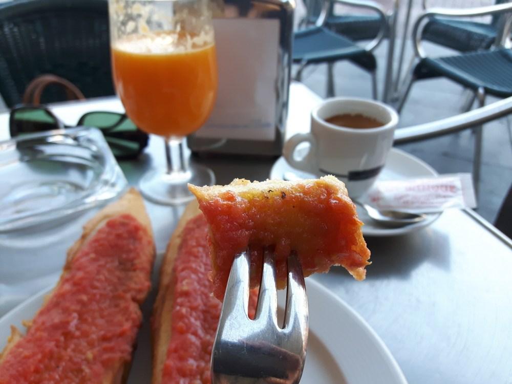 Pan con tomate...et café!
