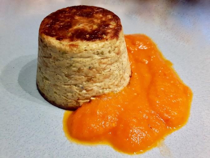 Flan de courgette et coulis de tomate.