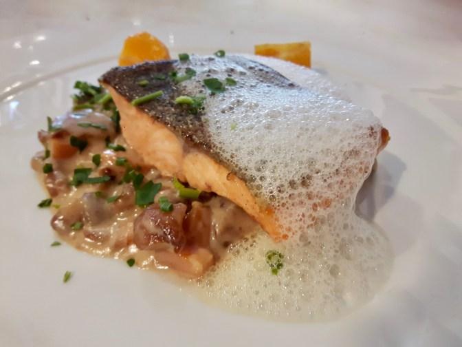Filet de truite de l'Ardèche, comme un risotto de châtaignes et mandarines.