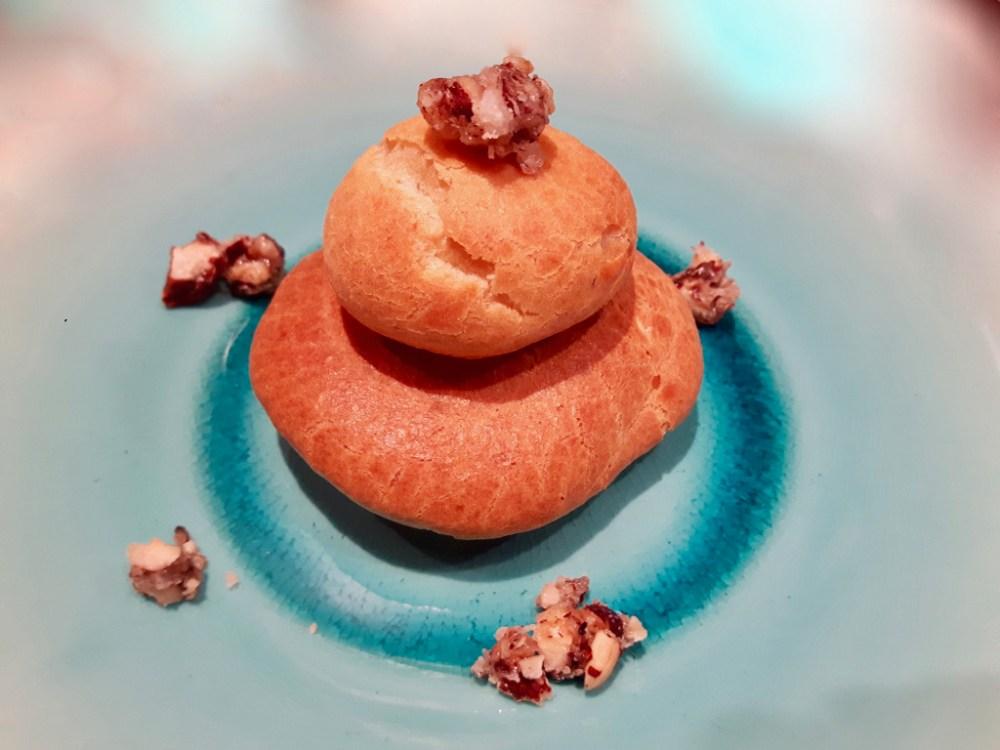 Mini-choux au potimarron et aux épices.