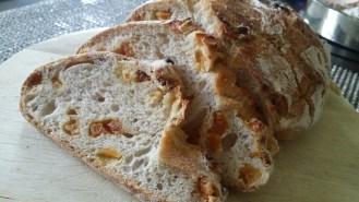 Un bon pain à l'abricot. Merci Sylvain.