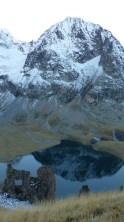 La tête de la Muraillette se reflète dans le lac