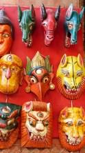 Masques dans une boutique