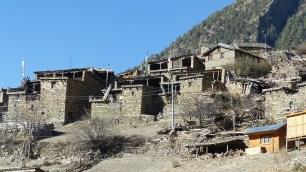 Le village de Upper Pisang semble presque abandonné au premier abord