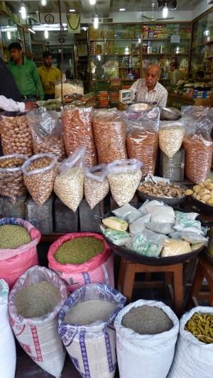 Les graines et céréales se vendent au poids