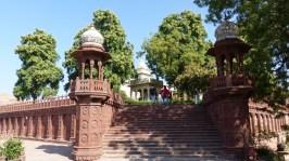 L'entrée du Jaswant Thada