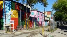 Seules les maisons proches d'El Caminito ont gardé leurs couleurs