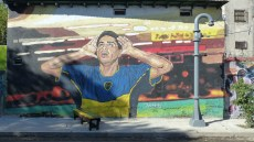 Fresque, sur le chemin du stade