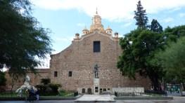 L'arrière de la cathédrale, vu depuis la rue Obispo Trejo