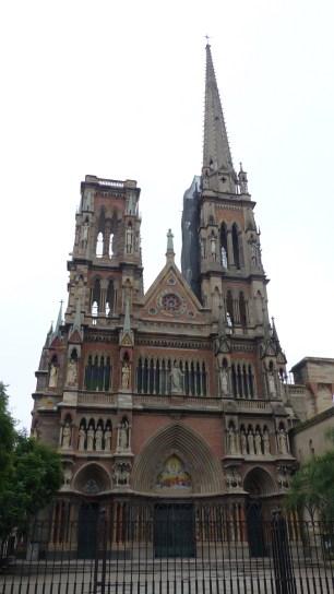 Une autre église impressionnante: l'église du Sacré-Cœur de Jésus
