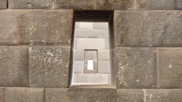 Jeu de perspective dans les temples alignés à l'intérieur du monastère