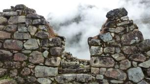 La brume donne un côté mystique à ces ruines