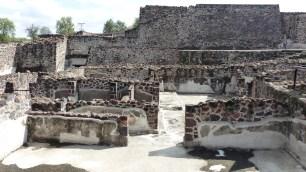 Zone d'habitation: il ne reste que la base des murs