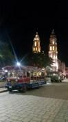 Place principale de Campeche, avec les trams touristiques