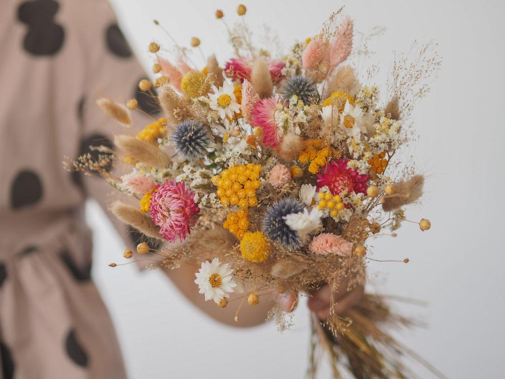bouquet personnalisé moyen rose bleu jaune fleurs sechees personnalisable customisable fleurs blé herbes sauvages fleuriste rennes