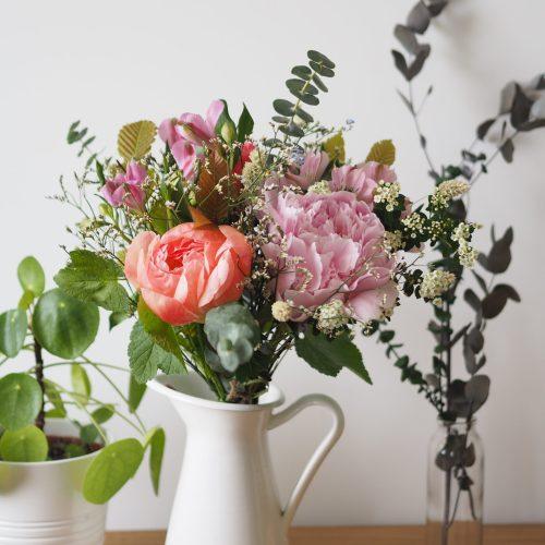 Bouquet de fleurs fraîches Fête des Mamans