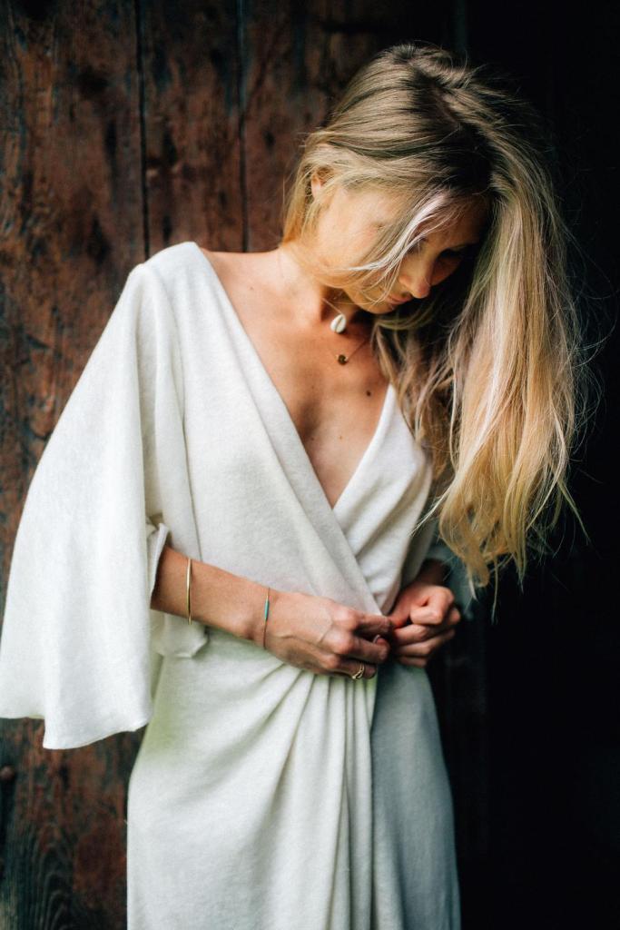 Robe de mariée en lin naturel