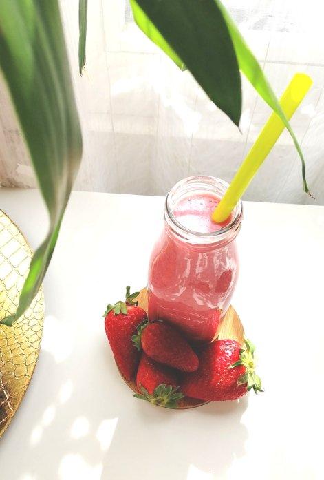 smoothie fraise les idées de mimi 35020417605170849416..jpg