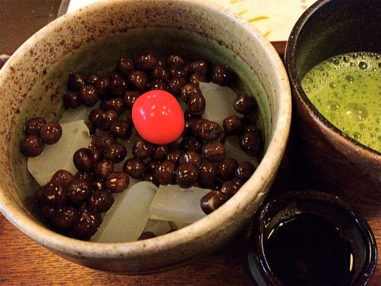 Mamecan (Seafood Jelly and Red Beans with syrup) par Naotakem