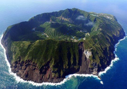 Aogashima (vue aérienne).