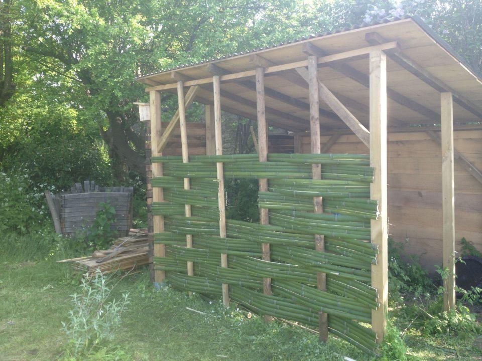 Cabane outils au jardin des papillons les jardins for Jardins de jardiniers