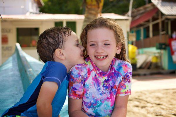 Seance grande famille sur la plage de Grande Anse 27