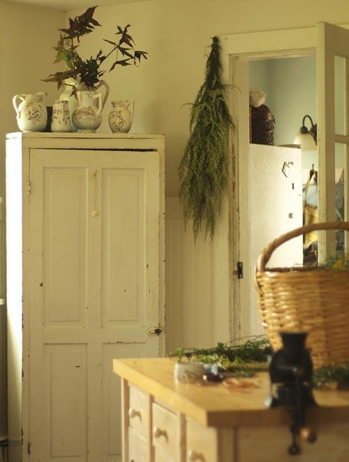 autumn-kitchen-corner