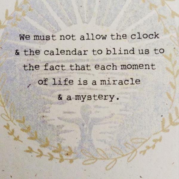 clock-and-calendar-circle