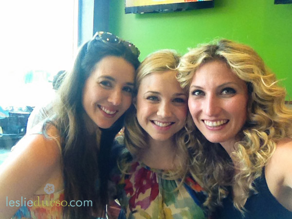 Whitney Lauritsen, Fiona Gubelmann and me at Fresh Brothers for a Vegan Pizza Party!