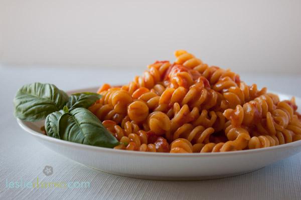 Creamy Vegan Tomato-Vodka Pasta