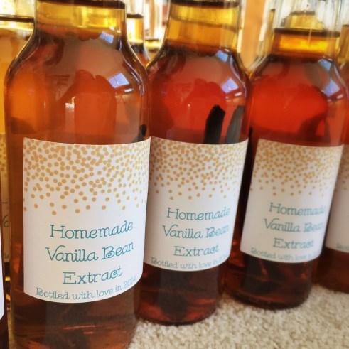 Homemade Vanilla Extract Gifts!