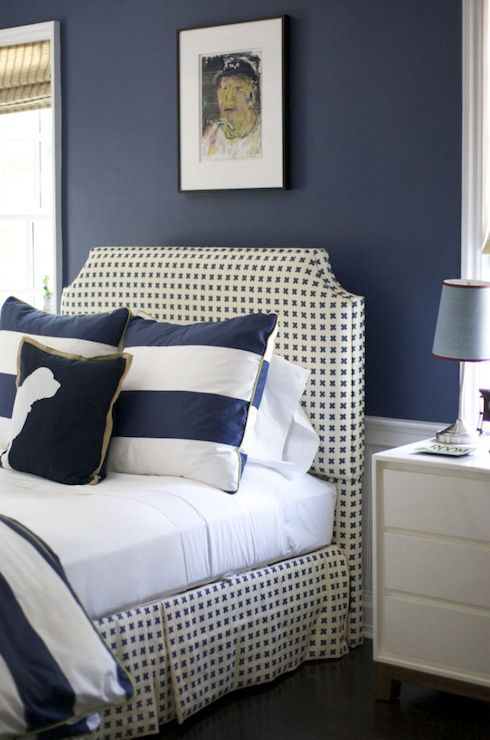More navy, can't go wrong with that... pinkwallpaper.blogspot.com