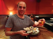 Well-presented platters of oysters and drinks