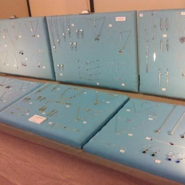 Mon stand de bijoux au salon femmes créatives