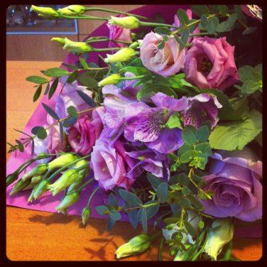 Mon maris m'a apporté des fleurs ♥