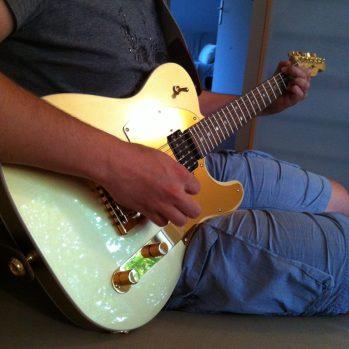 La guitare bling bling de mon chéri