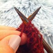 Je me motive à tricoter... un peu.