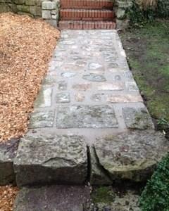 accès en pierres naturelles