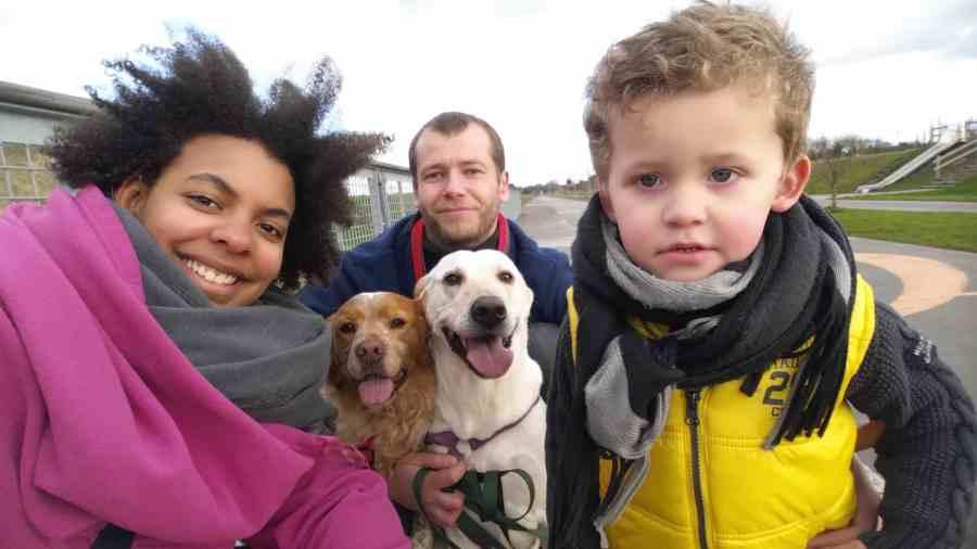 La famille Millet au complet avec les chiens