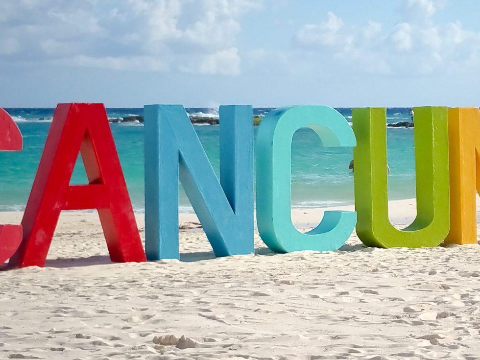 Lettres sur la plage cancun