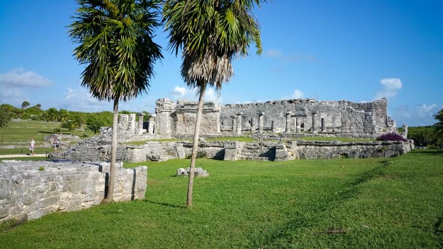 Site historique de Tulum vue sur les ruines