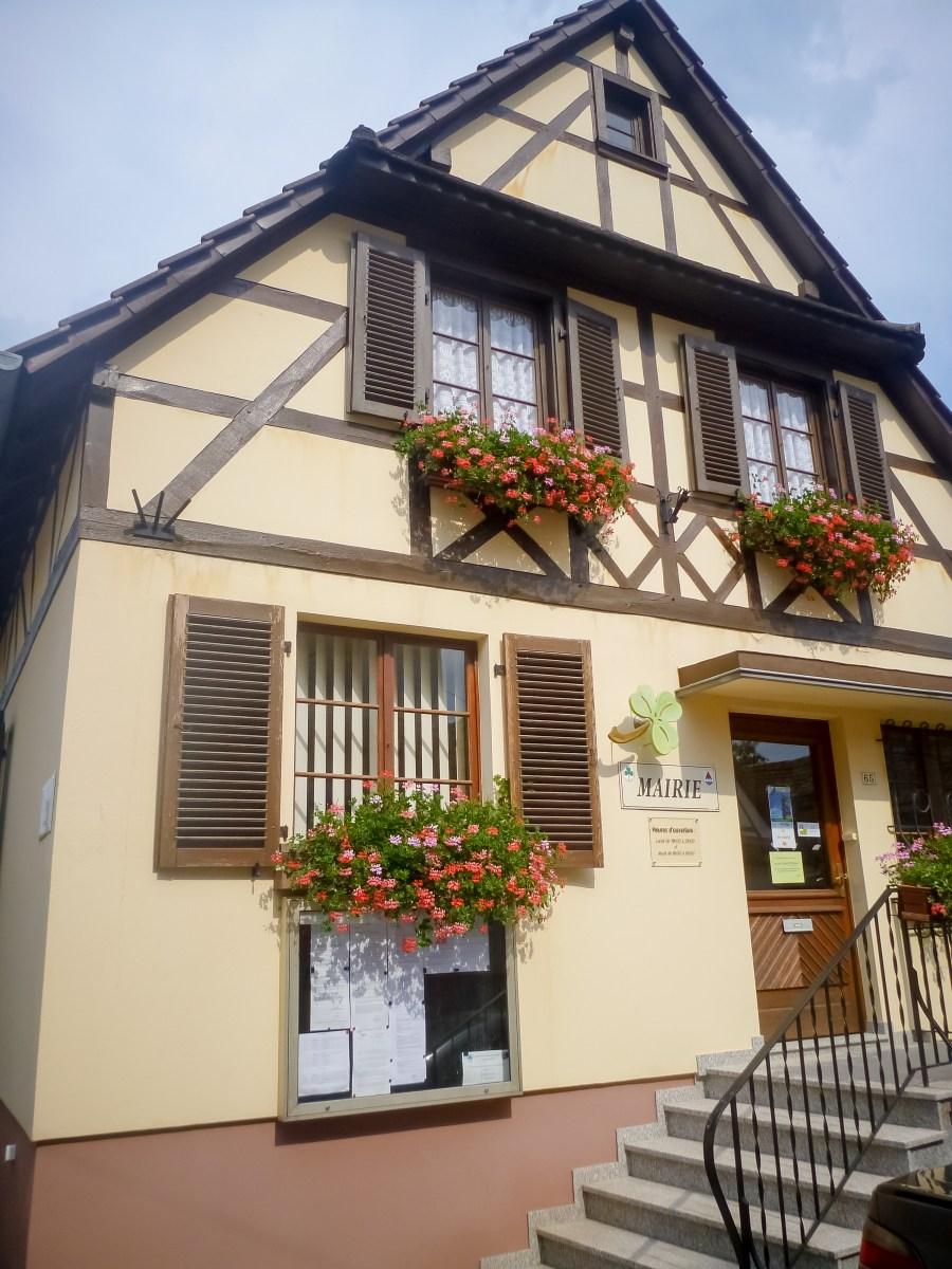 route des vins-alsace-france-maison-balcons fleuris