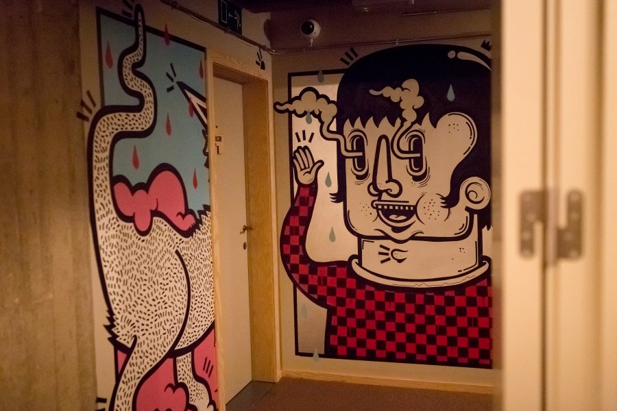 bruxelles-escapade-citytrip-jam-hotel-couloir-street art-graffiti-oeuvre-artiste