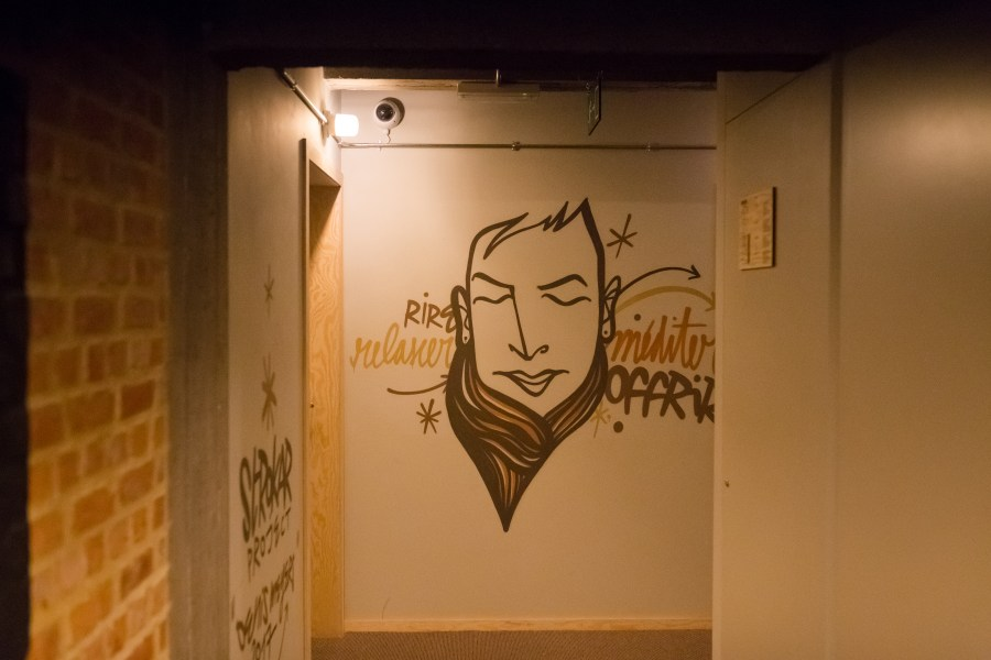 bruxelles-escapade-citytrip-jam-hotel-couloir-street art-graffiti