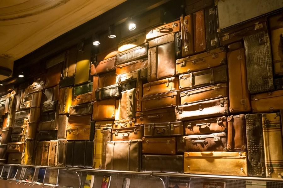 bruxelles-escapade-citytrip-bar-valises-voyage-café