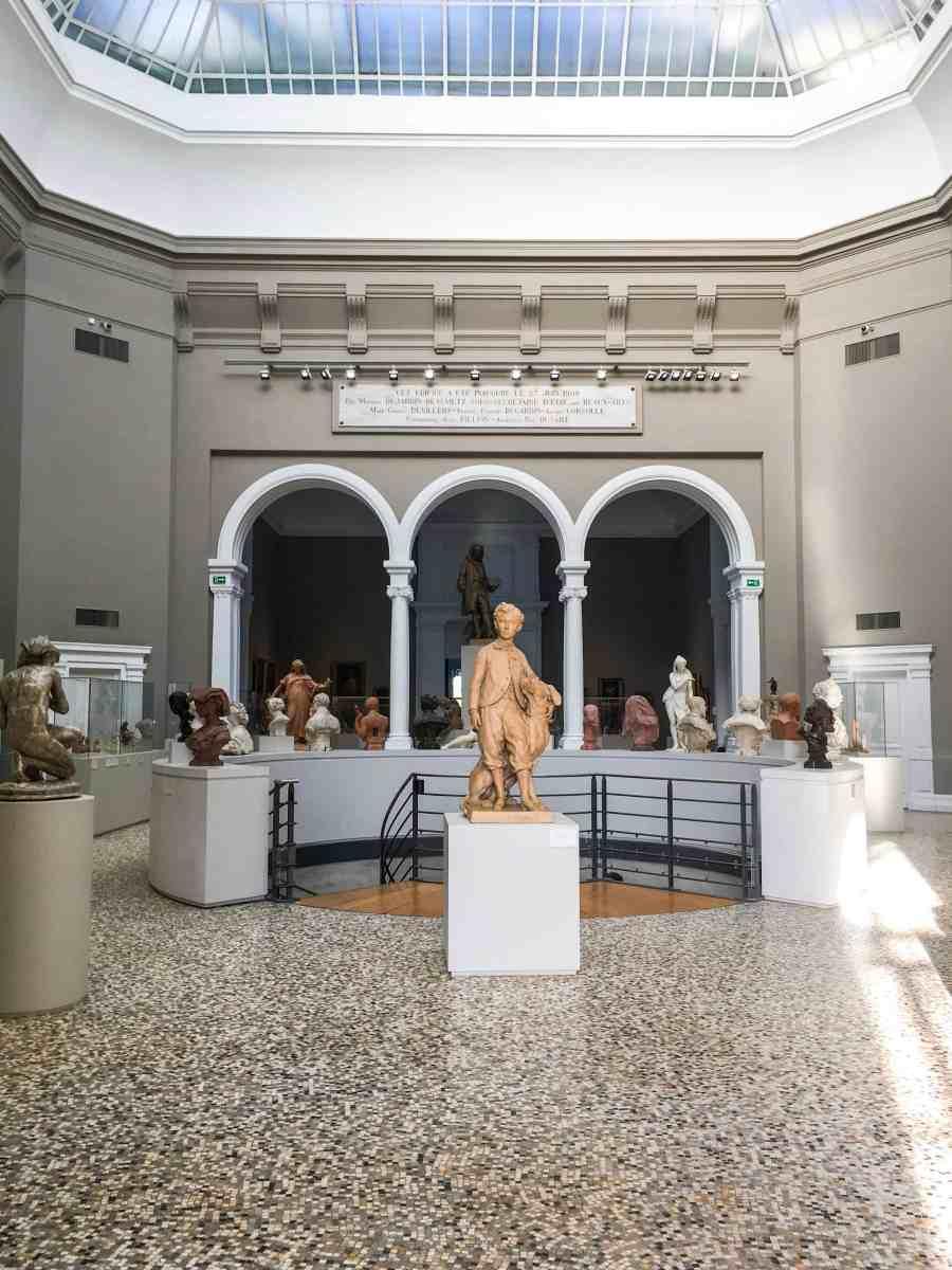 valenciennes-hainaut-visites mystères-autour du louvre lens-musee-beaux arts-place-carpeaux